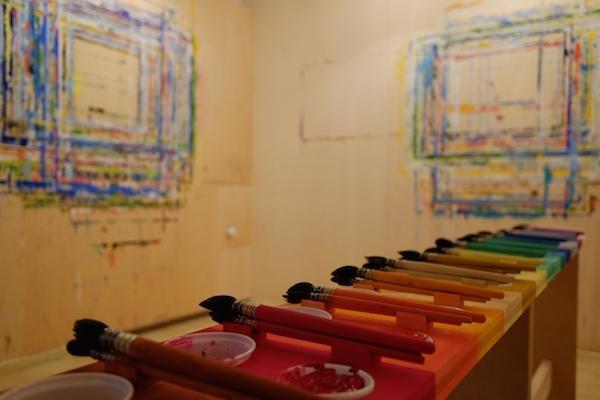 Palettentisch Malen nach Arno Stern im Atelier in Thalwil